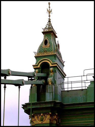 Hammersmith Bridge_March095