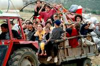 Kosovar refugees returning home