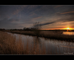 De Broekpolder ([ Michel ]) Tags: beautiful photoshop canon reflections eos zonsondergang colours thenetherlands sigma 1020mm 1020 hdr vlaardingen sigma1020mm photomatix groothoek sigma1020 tonemapping 450d canoneos450d adobephotoshopcs4 photoshopcs4