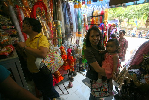 shopping at Sukawati