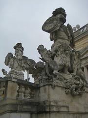 Statues at Gloriette entrance (sfiera) Tags: schnbrunn statue gloriette