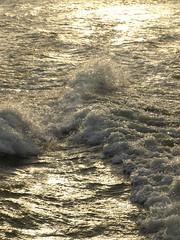 Waves.. (Alexander Darding) Tags: light london licht waves olympus alexander londen golven darding e410