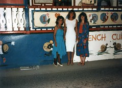 860114 Elsie, Rona and Vicky on St Maarten (rona.h) Tags: january 1986 stmaarten elsie vicky cloudnine rona ronah vancouver27 bowman57