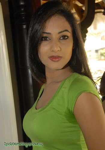 Sonal Chauhan picture