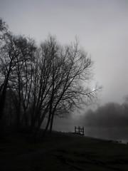 River Wensum (Leo Reynolds) Tags: bw mist fog photoshop canon river iso100 is powershot f45 hpexif 0001sec leol30random sx10 groupbw threadtwtme threadtwtme4wed groupnorwich groupsepiabw groupblackwhitepics xleol30x xxx2009xxx xratio3x4x