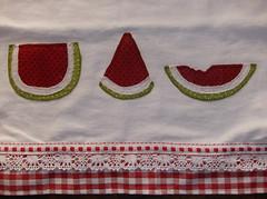 guardanapo de melancias (by Pathy) Tags: colors quilt melancia patchwork algodo appliqu aplicao customizada patchcolagem bordadosamo camisetascomaplicao tecidosestampados guardanaposcomaplicao bypathy