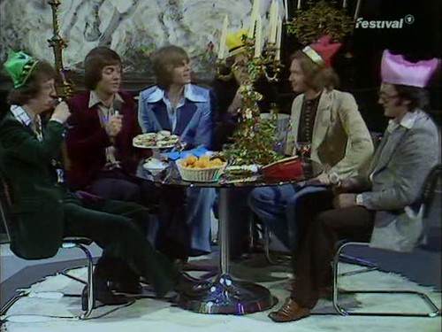 Top of the Pops (25 December 1974) [TVRip (XviD)] preview 2