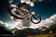 Andy Parant - _DSC9553 (andyparant.com) Tags: light mountain bike sport digital evening nice jump nikon action lumire flash style tokina mtb tignes soir velo vtt 116 saut bikepark d300