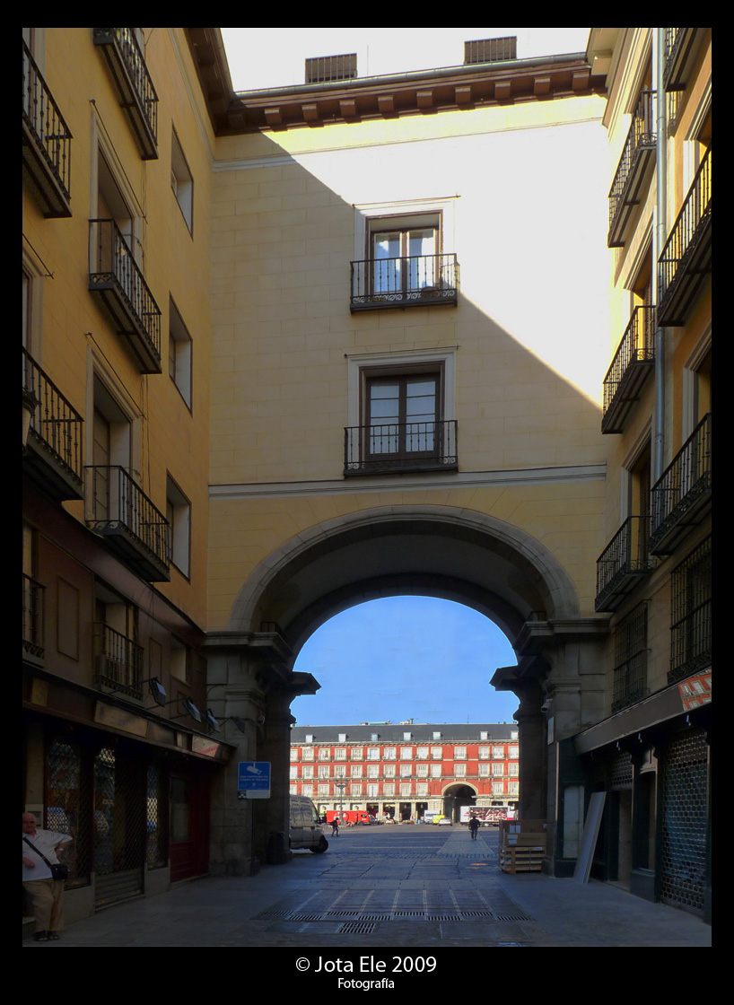 Arco Este de la Plaza Mayor II