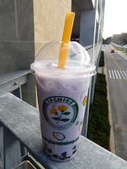 Taro Bubble Tea (Cinnamoroll and roll) Tags: bubbletea tea jasmine maryland columbia boba taro columbiamd bobatea columbiamall jasminebubbletea jasminesmoothieworldtea jasminesmoothieworld mallincolumbia jasminesmoothieworldandbubbletea