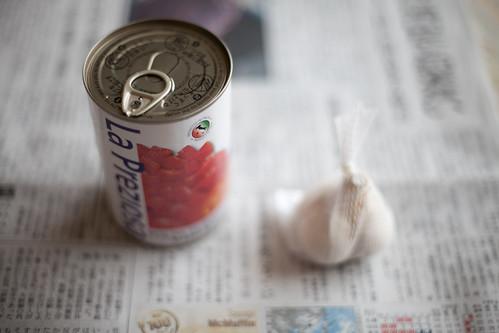 トマト缶&ニンニク