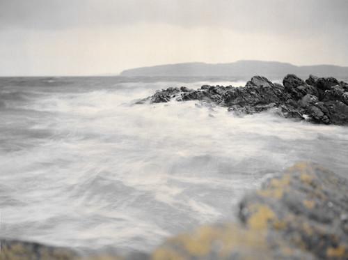 Waves rocks and Wee Cumbrae 05Mar09