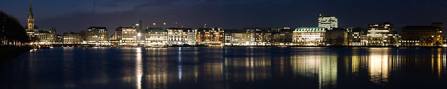 Hamburg at night II.