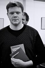 jelmar g. geertsma (janGlas) Tags: portrait bw book boek designer portret emparedada binnenvaart ©janglas jurrevandenberg uitdemuur jelmargeertsma joanaserrado