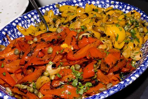 Estiatorio Milos -烤辣椒,大蒜,和刺山柑
