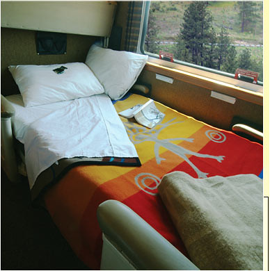 Train Chartering - The Puget Sound private rail car cabin bedroom