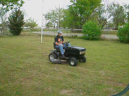 <VIDEO> Electric Riding Mower II