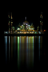 The Crystal Mosque (bowjenk) Tags: longexposure reflection nightshot culture explore malaysia slowshutter civilisation terengganu kualaterengganu tamron28300mm blueribbonwinner nikondslr d80 masjidkristal crystalmosque tamantamadunislam wanmanisland pulauwanman islamicheritagepark bowjenk