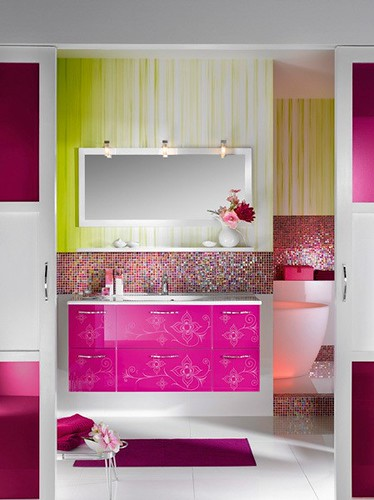 Modern Bathroom pink decorations