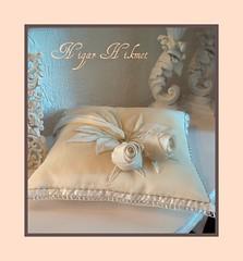 Eizim (nigarhikmet) Tags: flowers roses flower rose beads needlework handmade embroidery cream silk craft pillow bridal lint gül cushion elişi desing weddingideas borduren stumpwork ribbonembroidery ringpillow beadswork kurdela carms ribbonwork weddingaccessories ribbonroses iğneoyası nakış kurdele odemisipegi kurdelenakisi ödemişipeği lintborduren kurdelenakışı lintwerk yüzükyastığı