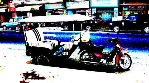 086.金邊市街上的愛迪達嘟嘟車