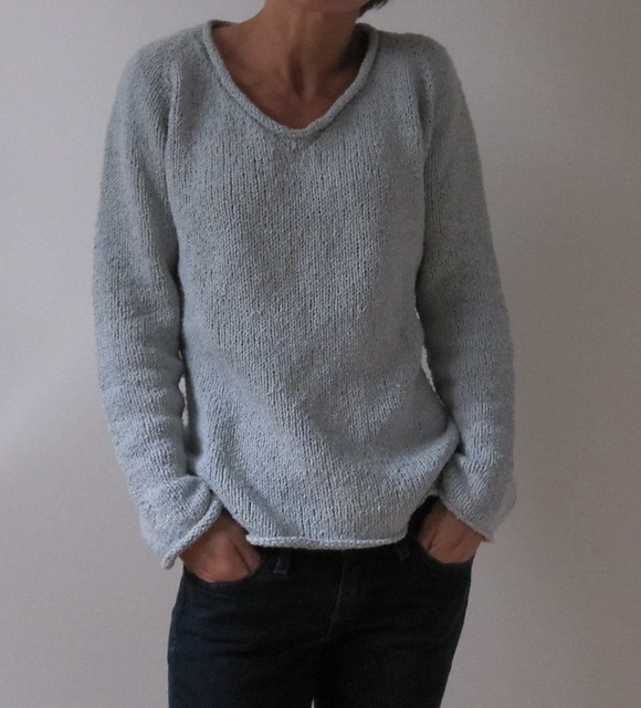 Knitted Sweater for Woman - Quick and Easy Christmas Gift
