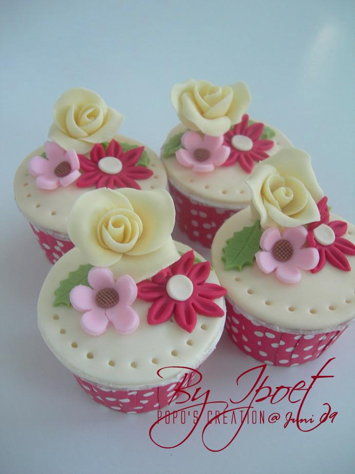 Maroon Cupcake again