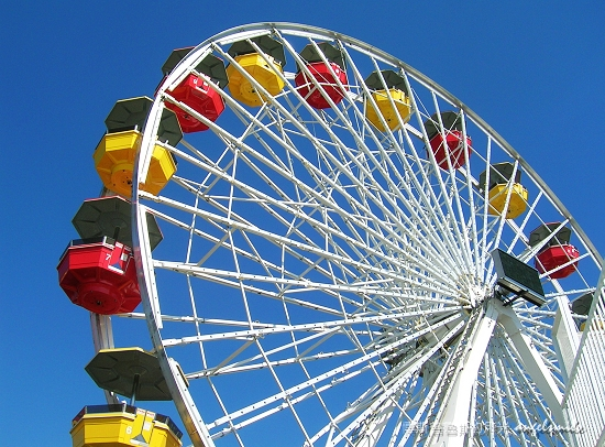 Q3-Santa Monica wonder wheel