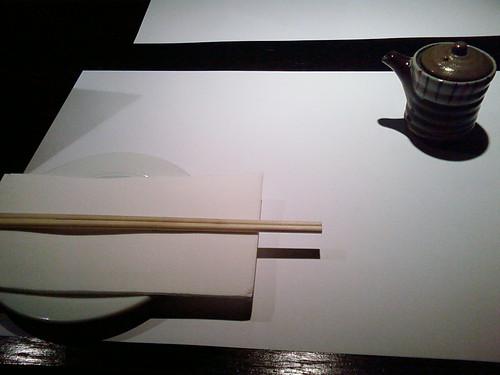 简洁的餐具白色调