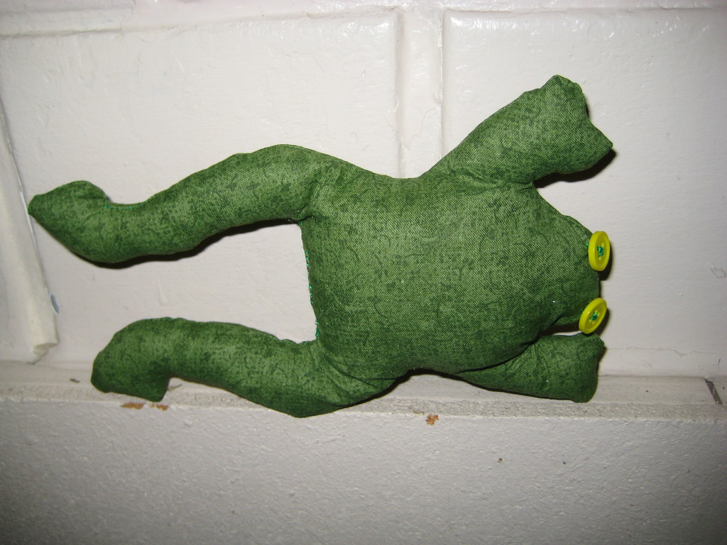 green frog for the Toy Society drop #569