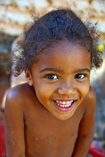 フリー画像| 人物写真| 子供ポートレイト| 外国の子供| 少女/女の子| 笑顔/スマイル| ブラジル人|     フリー素材|