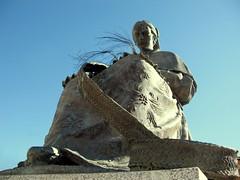Espartera (jacilluch) Tags: sculpture españa art spain europa arte escultura toledo 1998 figuras sculptures castillalamancha figura arteurbano rutadonquijote elromeral