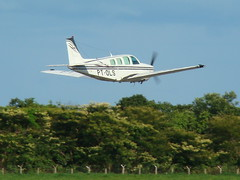 BEECHCRAFT BONANZA A36  SBCY - I dedicate this picture to the captain Lael (JONES CESAR DALAZEN) Tags: brazil brasil airplane jones photo airport nice foto shot aviation sony wing picture aeroporto cesar asa avio beechcraft executive flugzeug beech aeroplan avion aviao tecnologia vliegtuig  h7 hegazkin aircraf  aeropl   dalazen   tyyar   hegazkinaren