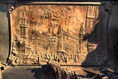 Kaisergruft: sarcophagus detail (Morgennebel) Tags: vienna wien austria sterreich tomb sarcophagus kaiser crypt tombs hdr schmuck totenkopf neuermarkt oesterreich ornamente bestattung sarcophagi verzierung sarkophage kaisergruft gruft kapuzinergruft srge imperialcrypt capuchinscrypt
