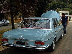 Mercedes-Benz 250 SE (Biscuit in Pursuit) Tags: 2 brazil ferrari sp mercedesbenz oldcars itatiba 300sl gullwing 250gto lotuselan 250tr 250se fiatdino villedefrancecollection