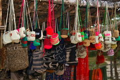 IMG_0606.JPG (Tanenhaus) Tags: ranch colombia artist bags satchel mochila artesania rancheria guajira riohacha wayuu