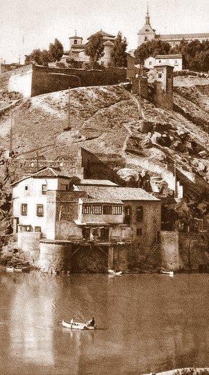 Iglesia de San Lucas sobre la Casa del Diamantista (Toledo) a principios del siglo XX.
