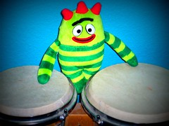 Brobee plays the bongos (basschick89) Tags: yo plays bongos nickelodeon gabba brobee