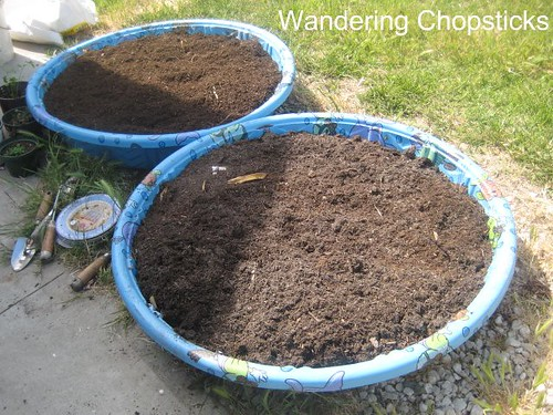 How to Make a Kiddie Pool Raised Bed Garden 6