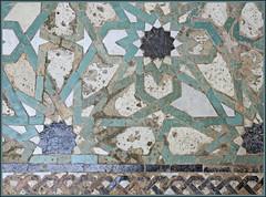 so many feet ... (mhobl) Tags: fliesen morocco maroc medina marokko fes mosaik medersa zellij bouinania