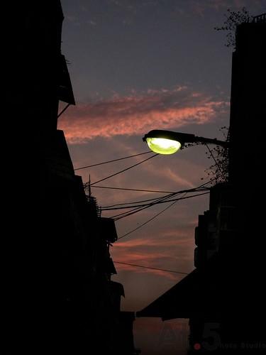 光的表情00242黃昏下的燈光.jpg