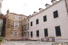 View from the Walls of Dubrovnik Old Town (Alan Hilditch) Tags: world old city heritage wall town site croatia unesco walls dubrovnik mul dalmatia dalmacija veliki neretvanska upanija dubrovako velikimuldubrovnikdubrovakoneretvanskaupanijacroatiadubrovnik velikimul