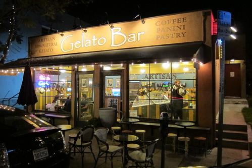 Gelato Bar: Exterior