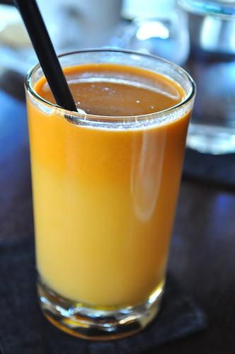 ginger,honey,lemon,carrot