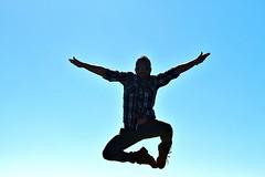 volo (Francesco Lo Presti) Tags: man uomo cielo salto azzurro viso controluce occhiali braccia volare scarponi bracciaaperte