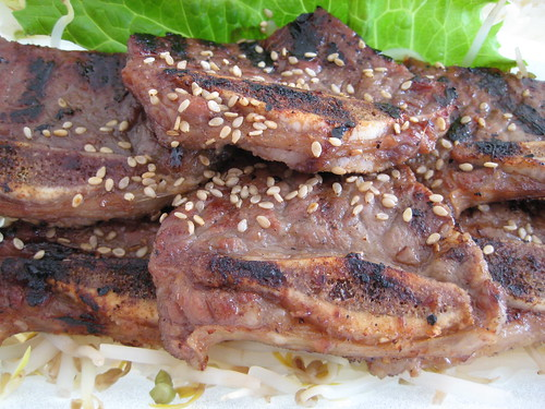 Kalbi with sesame seed