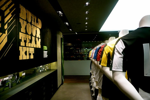 NikeToown..