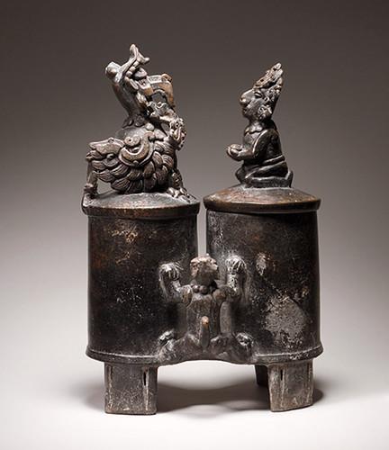 010 - Vaso de cerámica de doble cámara-siglo V México o Guatemala