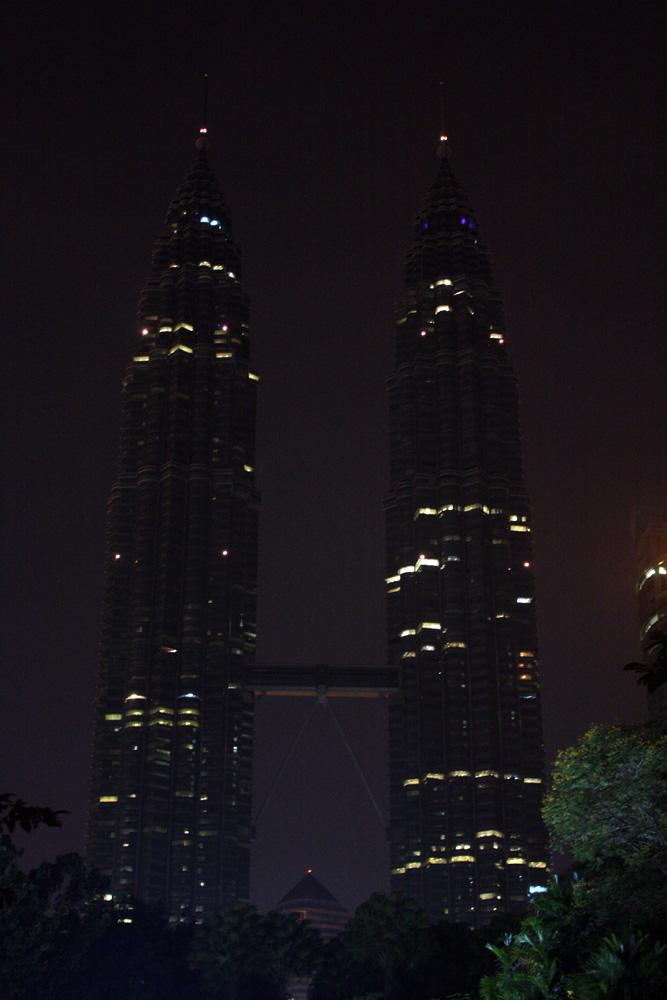 Earth hour 2009 @ KLCC - Malaysia