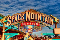 DLRP Feb 2009 - Space Mountain: Mission 2 (PeterPanFan) Tags: travel vacation france sign canon europe disney fr spacemountain disneylandparis 30d dlp disneylandresortparis discoveryland marnelavalle canon30d canoneos30d spacemountainmission2 jonfiedler marnelavalle